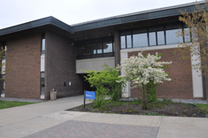 Photo of the Classroom building at Fulton-Montgomery Community College, where Empire State College has its Johnstown office.